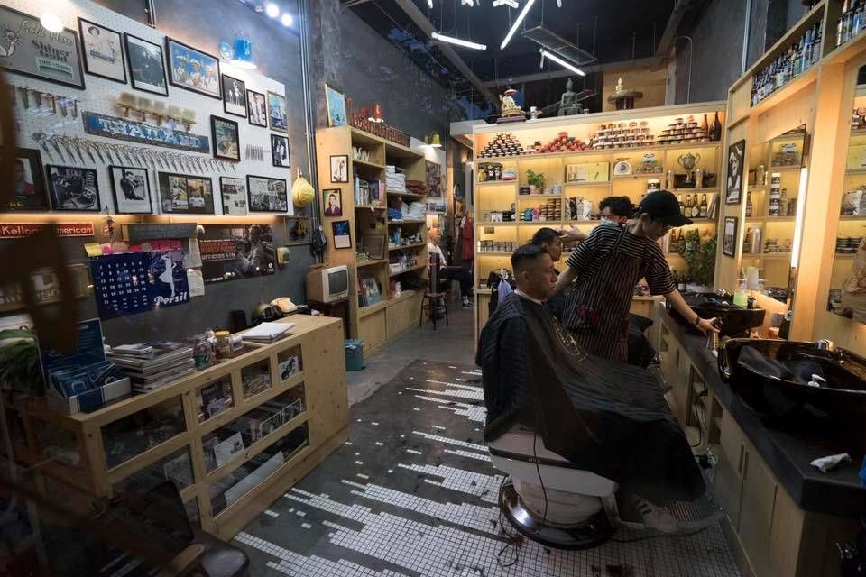 The Barber & Shop ร้านตัดผมชาย ในกรุงเทพ