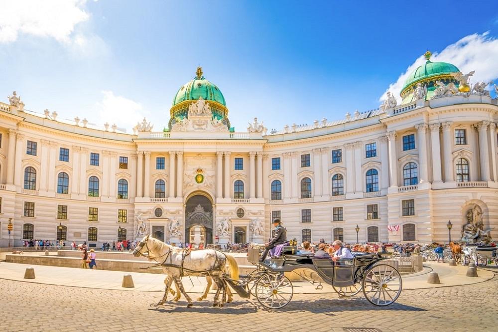 Hofburg Palace พระราชวังฮอฟบวร์ก