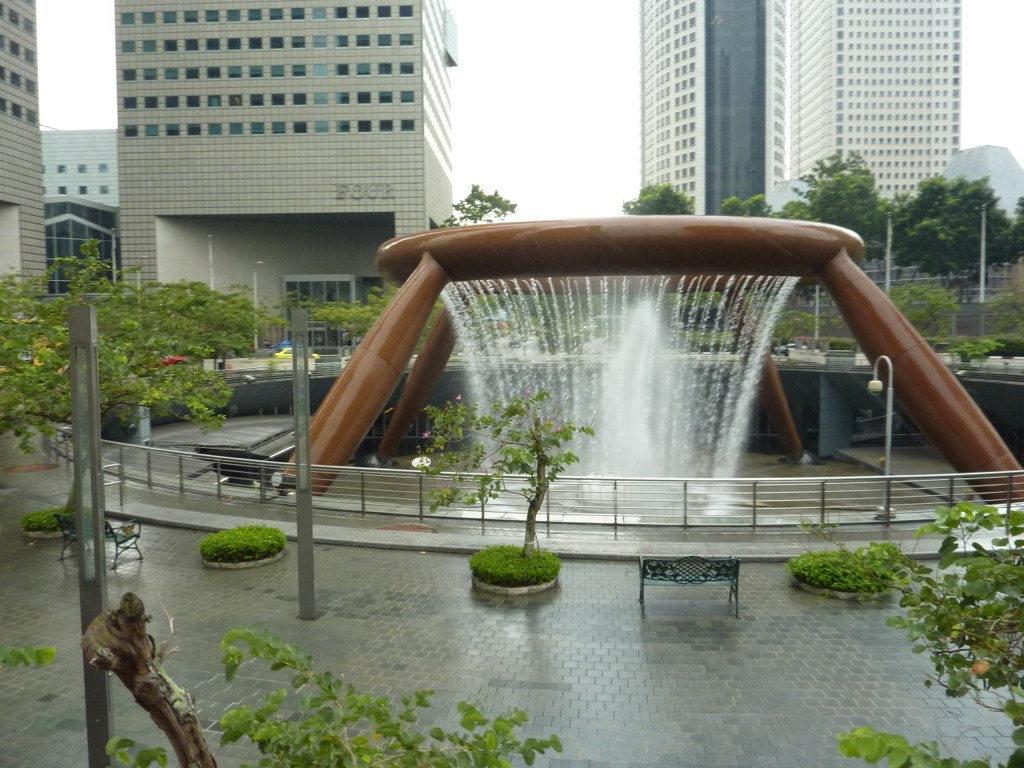 น้ำพุแห่งความมั่งคั่ง สิงคโปร์