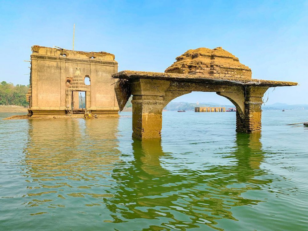 ที่เที่ยวใกล้กรุงเทพ ไปเช้าเย็นกลับ เมืองบาดาล วัดใต้น้ำ สังขละ กาญจนบุรี