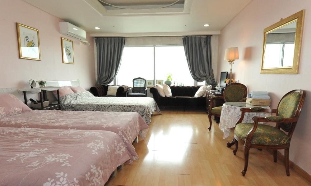 ที่พักใกล้ฮงแด Hongdae Gusethouse