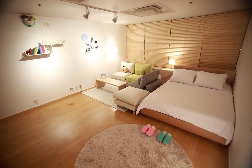 pigfly  guesthouse ที่พักย่านฮงแด