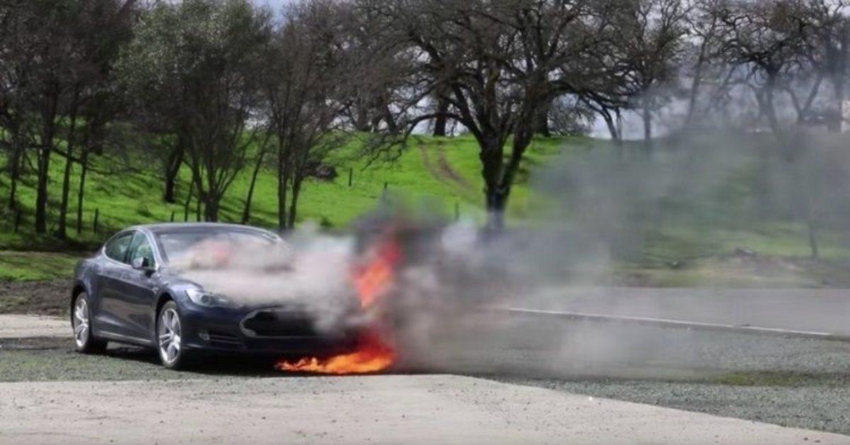 [PR NEWS] ใช้น้ำดับไฟ กรณี รถยนต์ไฟฟ้า เกิดเพลิงไหม้